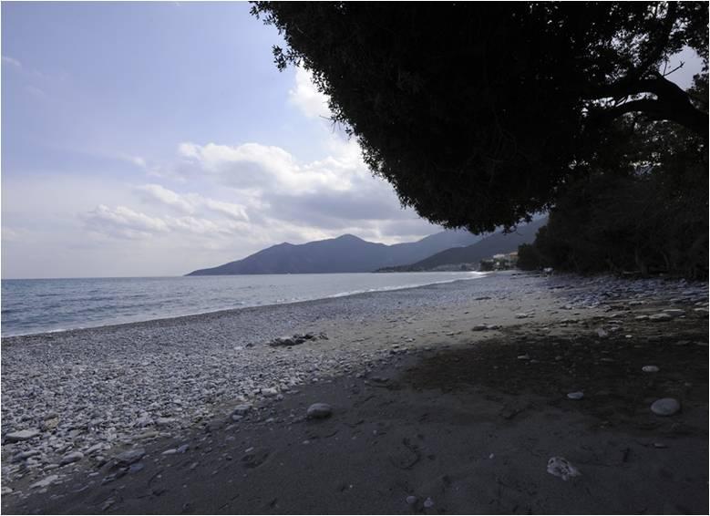 Παραλία Χινίτσα στο Πορτοχέλι